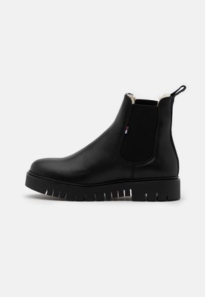 WARM LINED CHELSEA BOOT - Platform ankle boots - black
