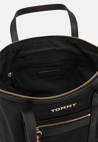 Tommy Hilfiger - TOTE - Bolso shopping - black - 3