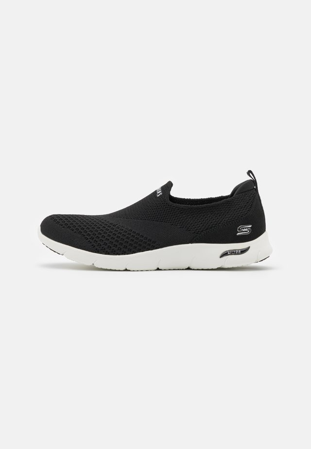 ARCH FIT REFINE - Sneakers laag - black/white
