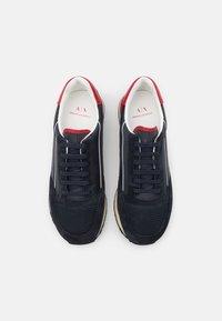 Armani Exchange - OSAKA  - Sneakers basse - navy/fire brick/offwhite - 3