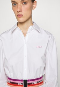 KARL LAGERFELD - STRIPE SHIRT DRESS - Shirt dress - white - 6