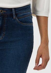 BRAX - STYLE SHAKIRA - Jeans Skinny - slightly used regular blue - 4