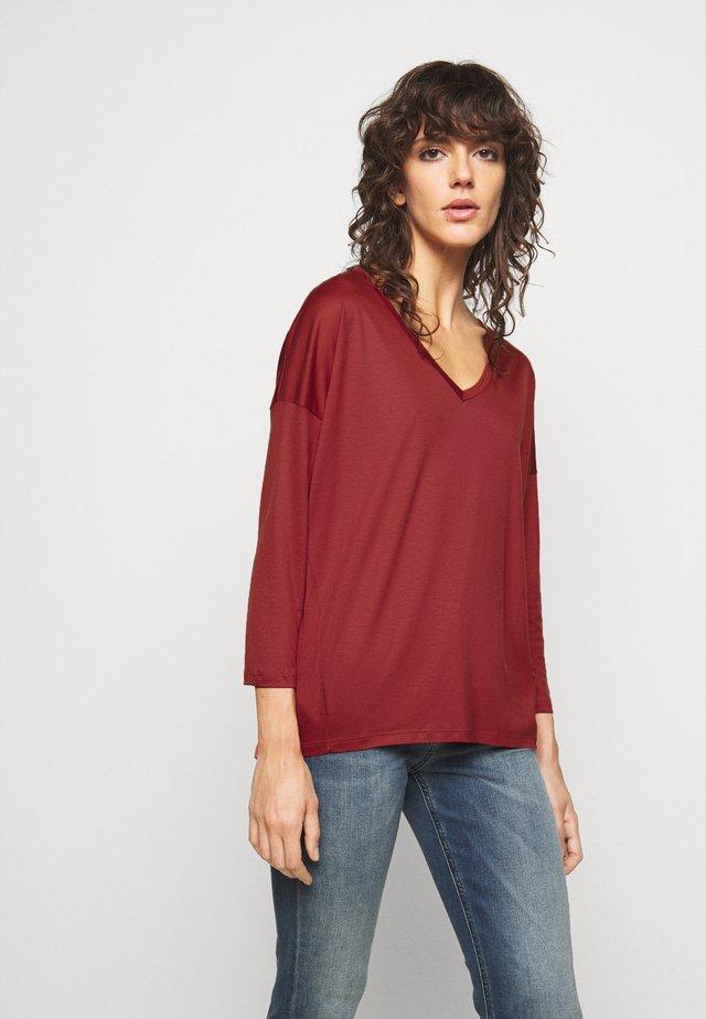 VENJA - Long sleeved top - rot
