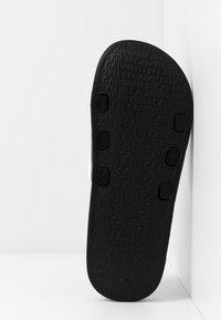 Calvin Klein Swimwear - SLIDE - Sandaler - classic white - 6