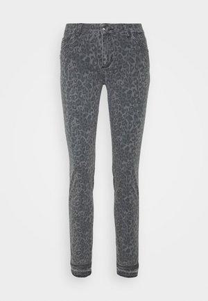 SUMNER SHANNON PANT - Spodnie materiałowe - wet weather