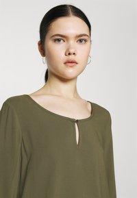 Vero Moda - Blouse - ivy green - 3