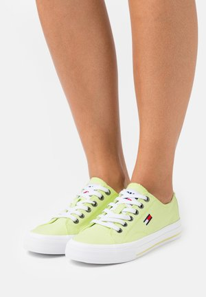 Sneakers basse - faded lime