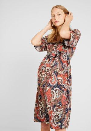 MLPAYA DRESS - Denní šaty - tandori spice/multicolor