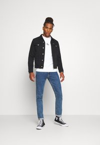 Calvin Klein Jeans - FOUNDATION SLIM - Kurtka jeansowa - washed black - 1