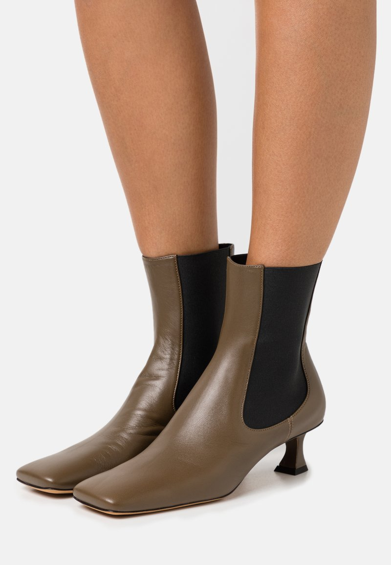 Proenza Schouler - Classic ankle boots - mud