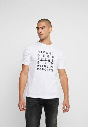 JUST - Print T-shirt - white