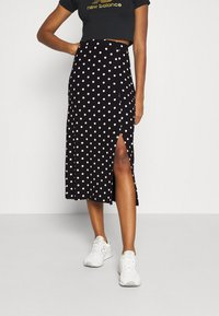 Even&Odd - Midi high slit high waisted skirt - Falda de tubo - black/white - 0