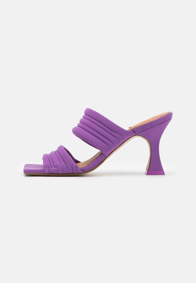 FROSTINE - Heeled mules - purple