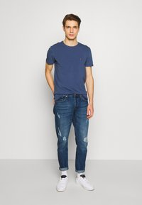 Tommy Hilfiger - T-shirts basic - blue - 1