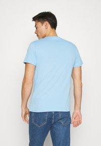 Lacoste - T-shirt basic - panorama - 2