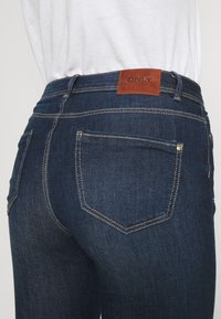 ONLY - ONLWAUW LIFE MID  - Jeans Skinny Fit - dark blue denim - 4