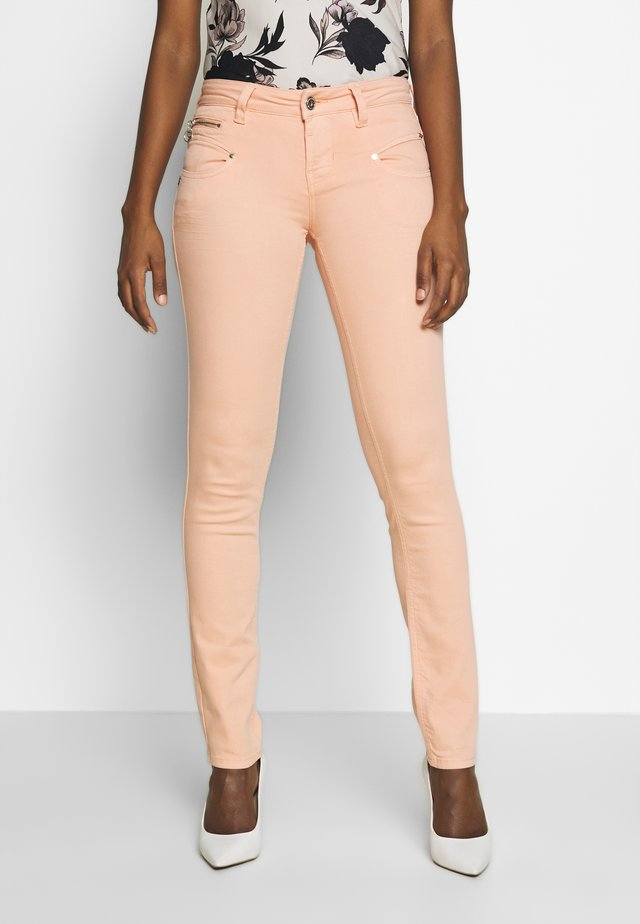 ALEXA SLIM NEW MAGIC - Trousers - coral pink