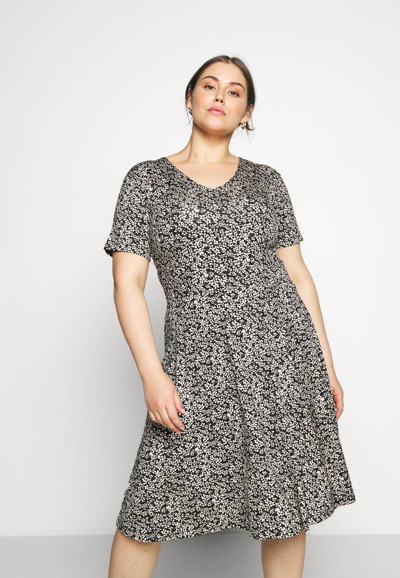 Kaffe Curve - KCMOVI DRESS - Jersey dress - black