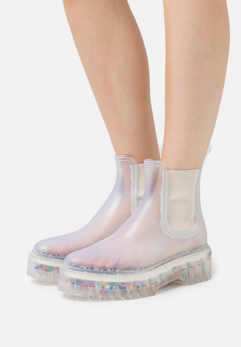 LEMON JELLY - RAVYN - Gummistøvler - transparent