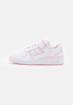 FORUM PLUS - Joggesko - footwear white/clear pink