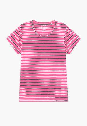 BOXY TEENAGER - T-shirt med print - pink
