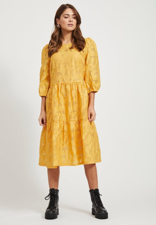 3/4 SLEEVES - Day dress - gold
