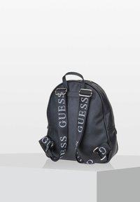 Guess - VIKKY  - Sac à dos - black - 2