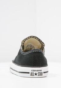 Converse - CHUCK TAYLOR ALL STAR CORE - Sneakersy niskie - black - 3