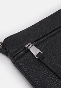 PARFOIS - CROSSBODY BAG BALLOON - Across body bag - black - 4