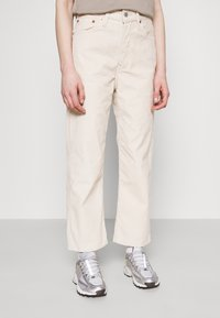 Levi's® - RIBCAGE STRAIGHT ANKLE - Jean droit - sand shell wide wale - 0