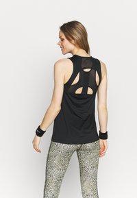 Nike Performance - TANK OPEN - Treningsskjorter - black/white - 2