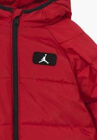 Jordan - JUMPMAN - Snowsuit - gym red - 2
