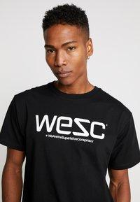 WeSC - Print T-shirt - black - 4