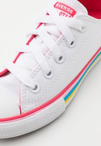 Converse - CHUCK TAYLOR ALL STAR - Trainers - white/carmine pink - 5