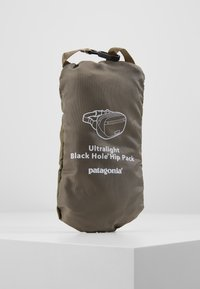 Patagonia - ULTRALIGHT BLACK HOLE MINI HIP PACK - Bum bag - ink black - 5