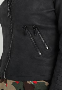 ONLY Carmakoma - CARAVANA - Faux leather jacket - black - 4