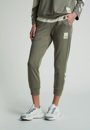 ESTRID REGULAR  - Tracksuit bottoms - vetiver