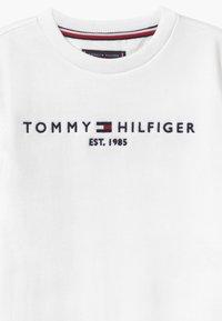 Tommy Hilfiger - ESSENTIAL UNISEX - Sweatshirt - white - 4