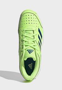 adidas Performance - COURT STABIL UNISEX - Handball shoes - siggnr/royblu/ftwwht - 1