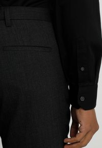Armani Exchange - Koszula biznesowa - black - 3