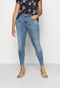 ONLY Carmakoma - CARSALLY LIFE - Jeans Skinny Fit - light blue - 0