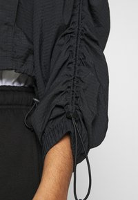 Nike Sportswear - Lett jakke - black - 6