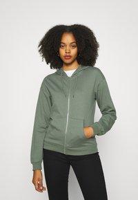 Even&Odd - REGULAR FIT ZIP UP HOODIE JACKET - Zip-up sweatshirt - green - 0