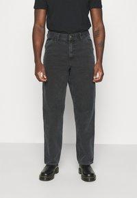 Carhartt WIP - DEARBORN SINGLE KNEE PANT - Kalhoty - black worn - 0