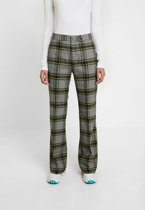 WALK TROUSER - Trousers - green