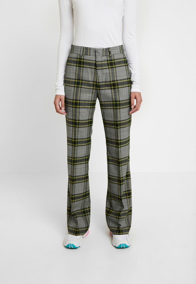 WALK TROUSER - Pantalones - green