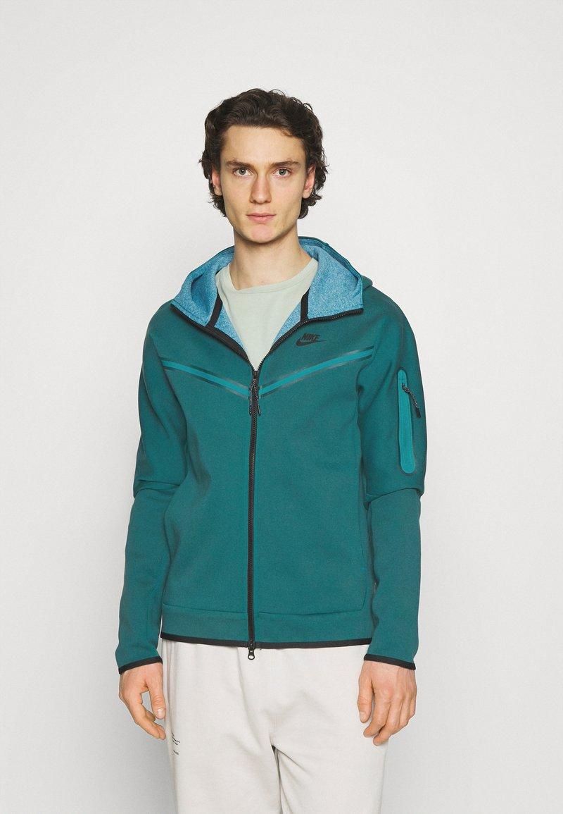 Nike Sportswear - HOODIE 2 TONE - Zip-up hoodie - dark teal green/blustery