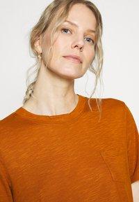 Anna Field - Basic T-shirt - caramel cafe - 3