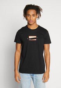 Diesel - DIEGO - T-shirt con stampa - black - 0