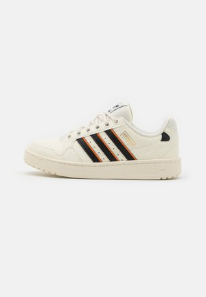 NY 90 SPORT UNISEX - Sneakers laag - offwhite/core black/orange
